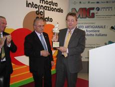 Premio a Oscar De Bona da Uniteis