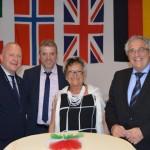 Nella foto da destra: Presidente Dario Olivier, Preside JvL SchuleElsbeth Ruiner, Vicepresidente Stefano Bortolot, Socio Dario Fontanella