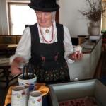 degustazione-gelato-caffe-e-panna-e-fragole-delle-dolomiti